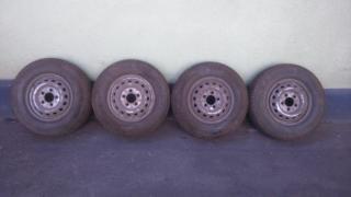Зимові шини Б/У шини зимові на Спрінтер та Фольцваген ЛТ-35 225/70/R15С краї